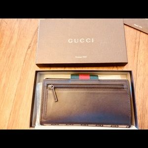 Gucci Bags - Authentic Brown leather Gucci Wallet.